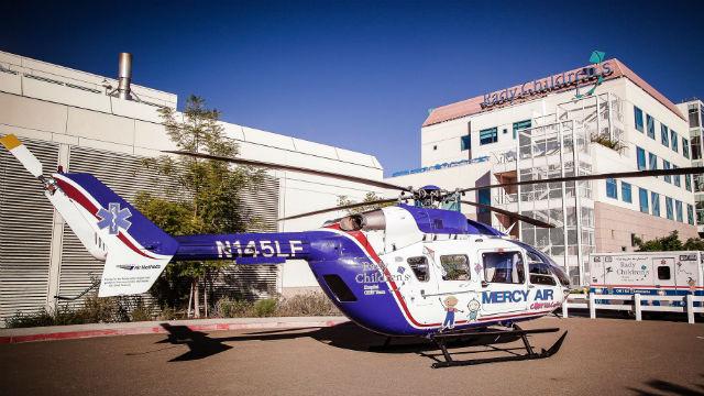 Το αγόρι Πέταξε στο Ρέντι Παιδιά στο Νοσοκομείο Μετά από Ατύχημα σε San Marcos