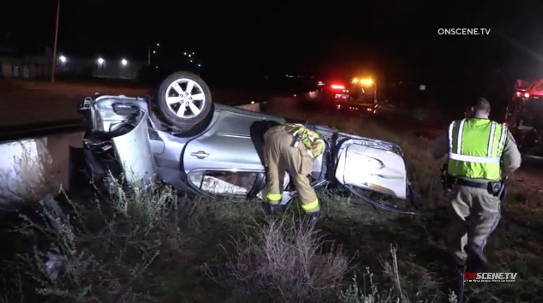 Οδηγός Τραυματίστηκαν Μετά από Τροχαίο Αυτοκίνητο στο Κέντρο Διαχωριστικό για SR 163