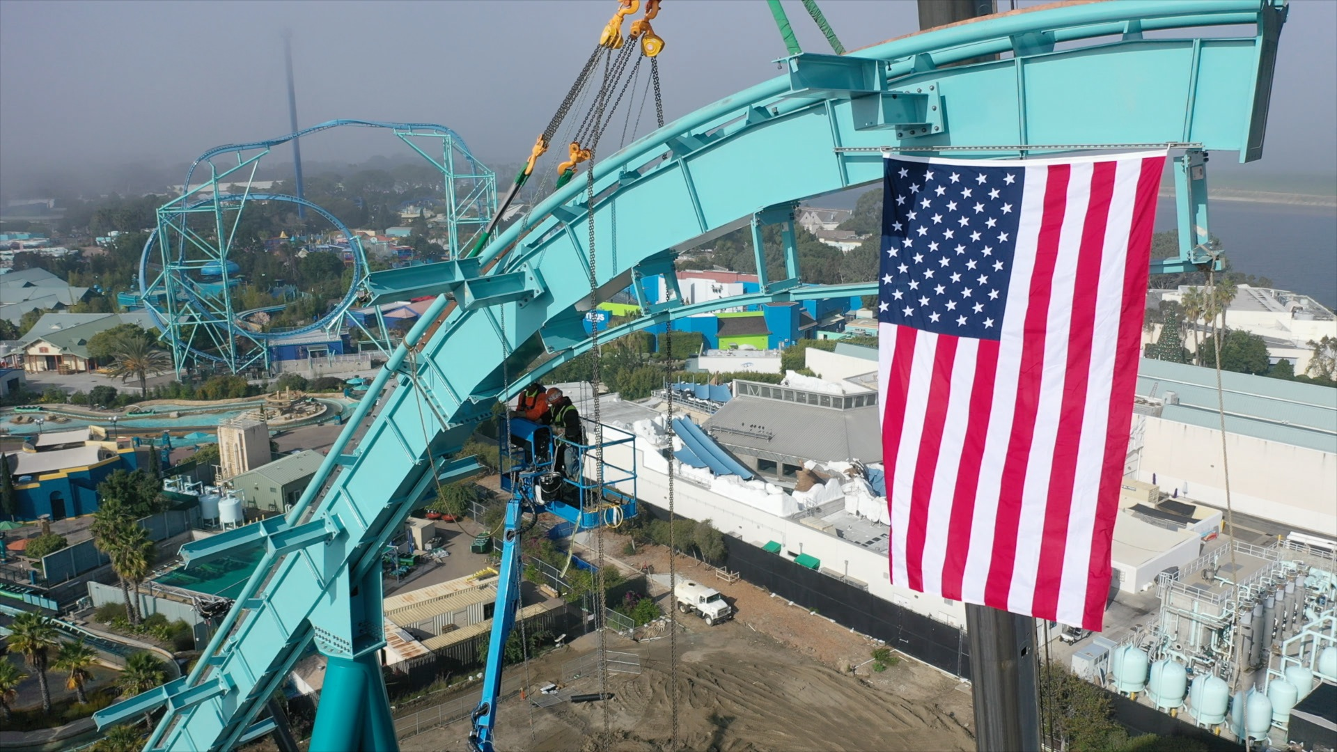 Seaworld San Diego Lays Highest Track Section For New Dive Roller Coaster Times Of San Diego