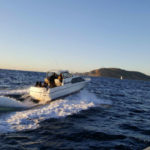 24-foot Bayliner carrying migrants