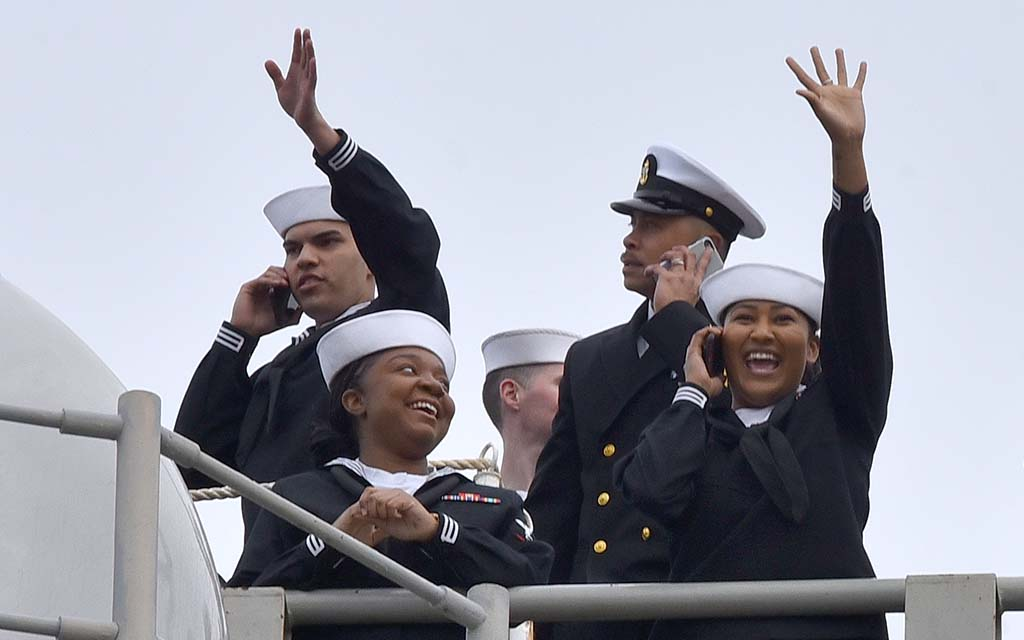The 6,000 service members of the USS Abraham Lincoln arrived in their new home after a 10-month deployment.