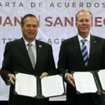Mayors with signed agreements