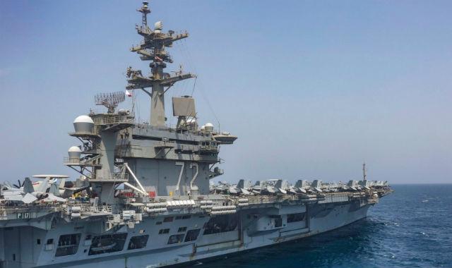 USS Abraham Lincoln nach Ankunft in San Diego am Montag Nach dem Rund-um-die-Welt-Kreuzfahrt