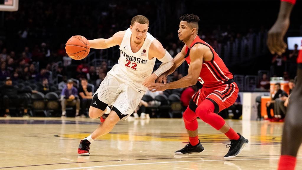 Aztec Malachi Flynn Among Candidates for 2 Top College Basketball Honors