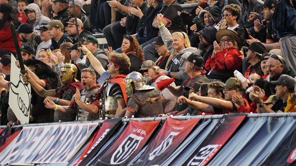 Fans cheer as the San Diego Legion scores a try
