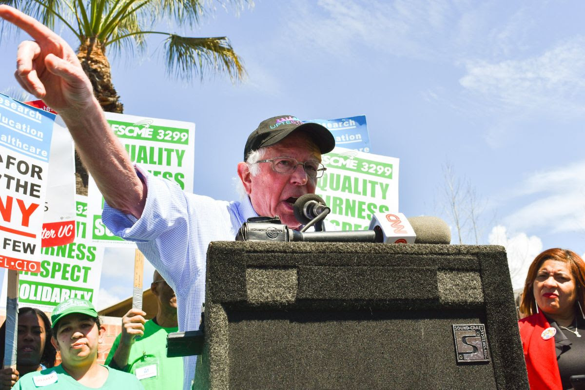 University of California Terbesar di Uni Mendukung Bernie Sanders untuk Presiden