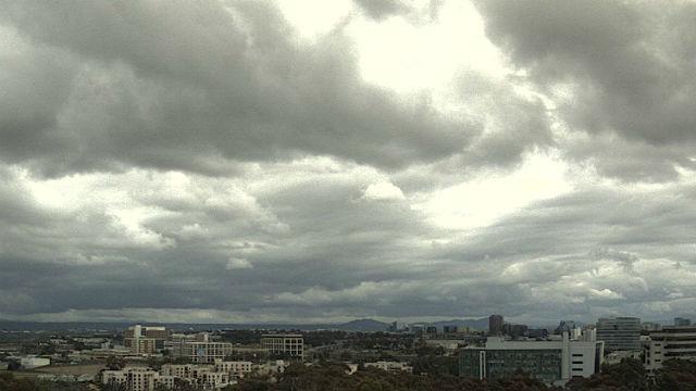 サンディエゴの雨天に続く