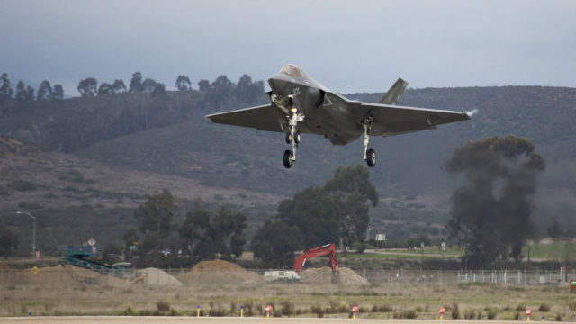 First F-35C lands at Miramar