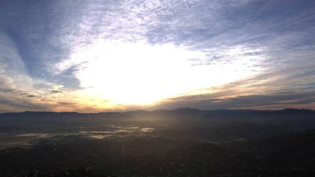 Απολαύστε την κυριακή το Πρωί Ήλιο—Βροχή προβλέπεται για Αργά το Απόγευμα