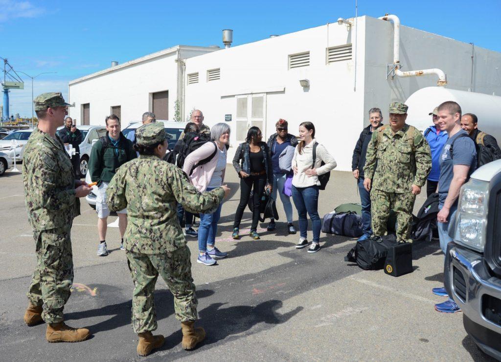 Ιατρική Επαγγελματίες με Ναυτικό Αποθεματικό Έκθεση για το Καθήκον για USNS Έλεος Πλοίο-Νοσοκομείο