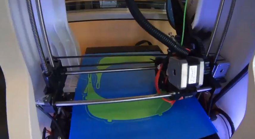 San Diego Manufaktur APD Dengan Printer 3D di Perpustakaan