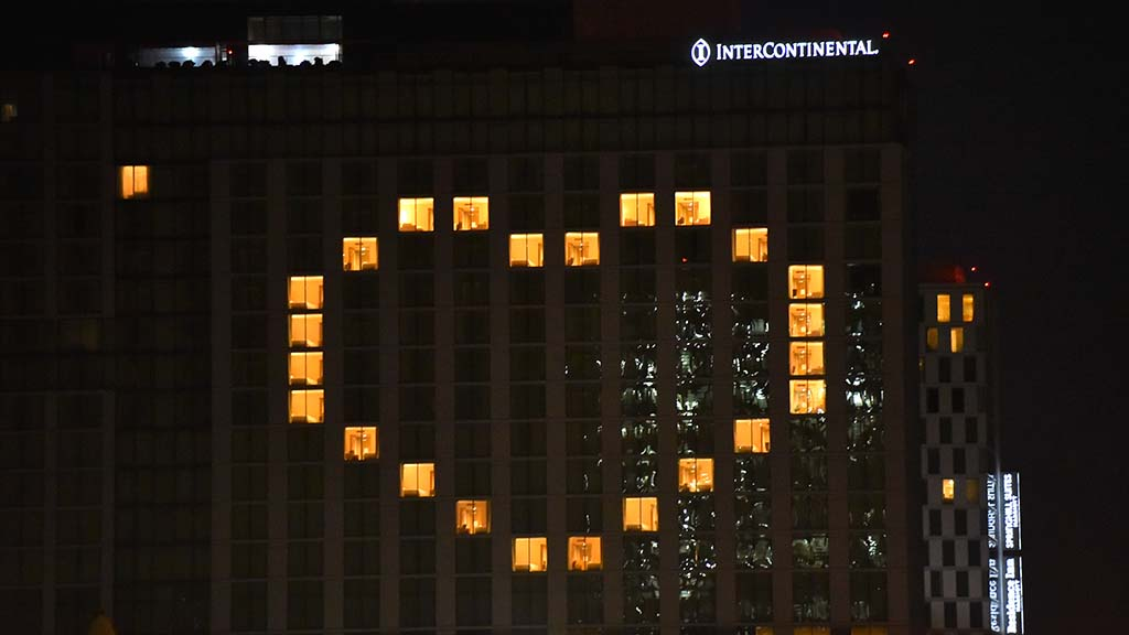 InterContinental San Diego Hotel recently joined the downtown hotels displaying hearts.