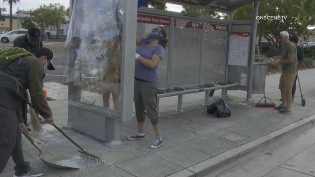 La Mesa residents clean up trolley station