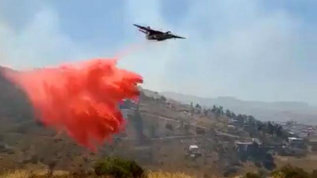 Cal Fire plane drops retardant