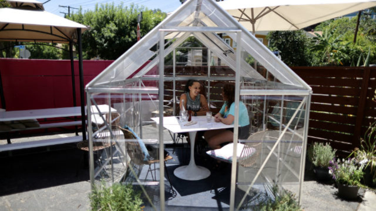 Cafe In La S Trendy Echo Park Shields Diners From Virus In Private Greenhouses Times Of San Diego