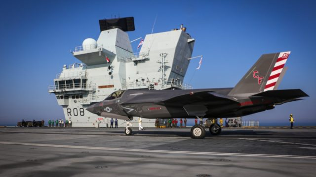 F-35B lands on the HMS Queen Elizabeth