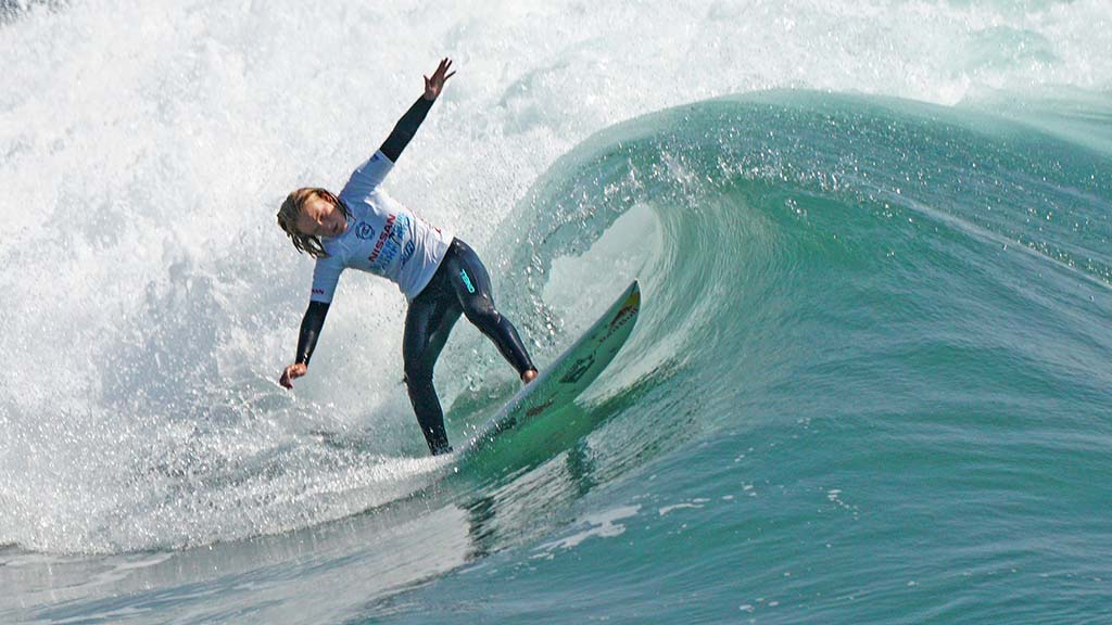 Caitlin Simmers of Oceanside competes in semifinals at the Nissan Super Girl Surf Pro.