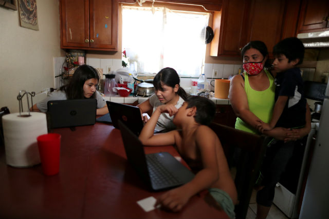 Students using computers in Los Angeles